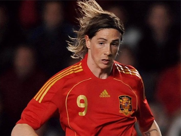 Kiểu tóc bờm ngựa lịch lãm của Sergio Ramos